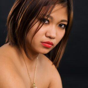 jeune fille asiatique troyes